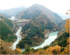 接岨峡の紅葉
