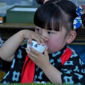 1124 @tetuwan10 お茶を嗜む少女