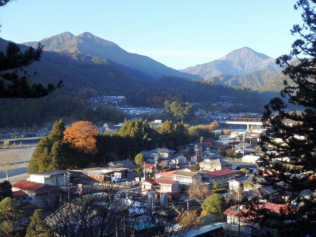 小長井からの沢口山と朝日岳